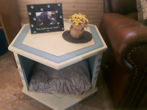 REDUCED.....Pet Bed - Corner Table.......
