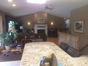 Beautiful Ranch on one acre on St Clair Parkway Sarnia Sarnia Area image 4