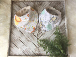 Set of Baby Bibs With Jungle Prints