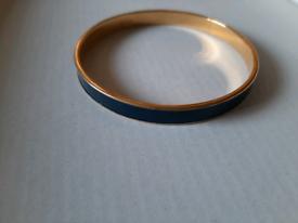 VINTAGE MONET GOLD TONE & DARK BLUE ENAMEL BANGLE