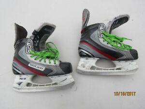 BAUER VAPOR X30 YOUTH SKATES