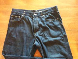 Mens Hugo boss jeans.   --- 38 waist /32 length