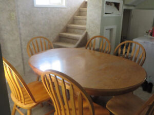 Solid Oak Pedestal Dining Room Table with Six chairs