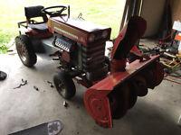 Tracteur Massey Ferguson MF10 (Tondeuse + souffleuse)
