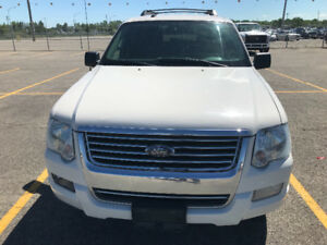 2009 Ford Explorer XLT  «4X4» (JAMAIS ACCIDENTÉ!!)