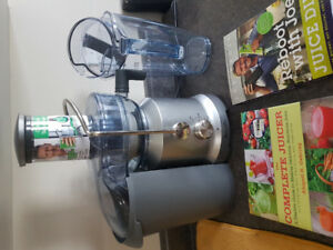 Breville cold spin juicer. Barely used.