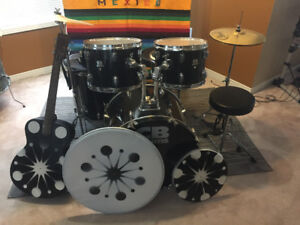 Full Size Carl Bruno SP Series five piece Drum kit Complete