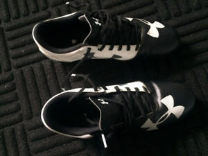 Under Armour Cleats; Size 6