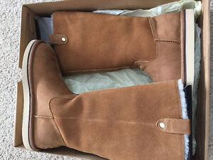 Authentic brand new UGG Sonoma boot - womens 5