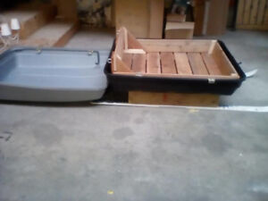 CARRIER SNOW SLED WITH LID