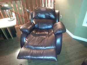 3 piece leather reclining living room set Strathcona County Edmonton Area image 4