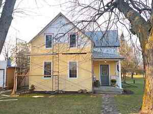 Cozy home in maxville for sale!! Cornwall Ontario image 2