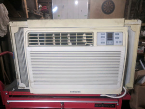 8000 BTU Samsung air conditioning unit