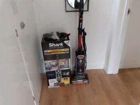 Shark Duo clean vacuum cleaner
