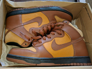 Selling my nike dunks still brand new willing to listen to offer