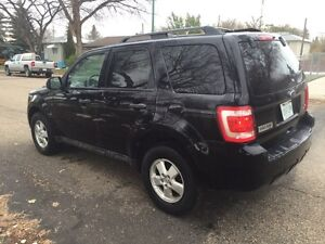 2010 Ford Escape XLT... Loaded