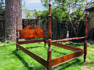1920's traditional double Queen Anne four poster bed