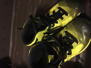 High top running shoes