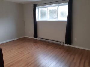 Appartement 4 1/2 à sous-louer