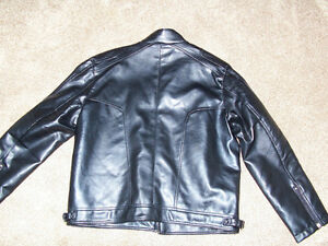 FAUX LEATHER JACKET - size L London Ontario image 4