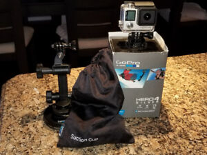 Gopro Hero Silver 4 bundle like new, use it right now! Gopro 4