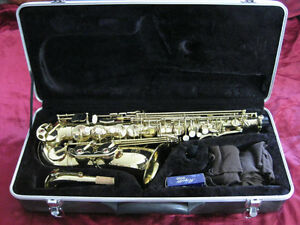 J Michael Alto Saxophone Eb With Case