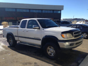 2001 Toyota Tundra runs great with insurance/safety inspection