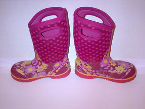 Bogs Kid's Girls Classic Flower Dot Cherry Pink Youth Size 2 Stratford Kitchener Area image 4