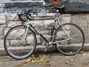 TREK Composite 2100 Aluminum Frame Road Bike For Sale