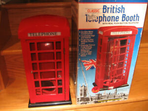 TELEPHONE BRITISH BOOTH, WORKS GREAT LIGHTS UP.