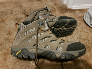 Mens Merrel hiking boots sz 9