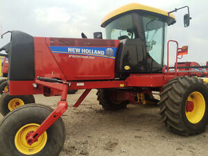 Used 2014 New Holland SR200 Windrower / Swather
