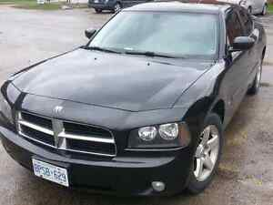 Dodge Charger 2010 Sxt! Black leather!