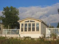 Prime waterfront Sauble Beach Cottage