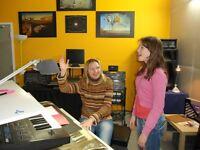 À LAVAL : Cours de BATTERIE, CHANT, PIANO…