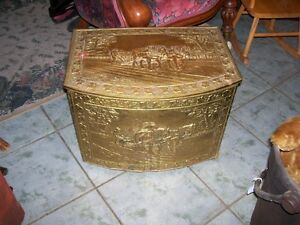 Antique Horse Team Wood Box - an impressive look