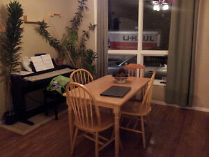 Room for Rent CLOSE to University (Looking for Student)