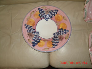 "NEW 15"" Beautiful Italian made Ceramic Pasta/Food Serving Dish"