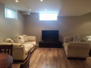 BACHELOR STYLE ROOM FOR RENT IN BASEMENT TOWNHOME