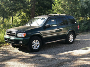 2003 Pathfinder 4 x 4 excellent condition