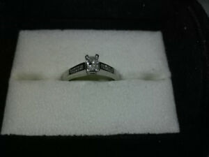 RADIANT CUT WHITE GOLD DIAMOND RING-SIZE 8