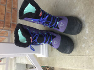 Size 7 youth North Face  winter boots