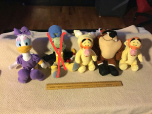 Peluche Disney et Warner Bros (5$ chacun)