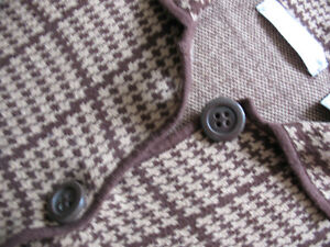 "SWEATER (liz claiborne) - SIZE ""M"" Kitchener / Waterloo Kitchener Area image 3"