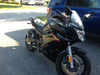 2011 Yamaha FZ6R in Excellent Condition