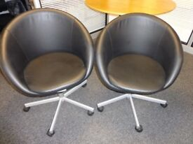 Black Swivel chair - Skrusta IKEA - A set of sevent chairs in very good condition