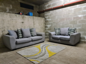 FREE DELIVERY 🚚 Made in Britian 3+2 Grey sofa suite/couch/Furniture