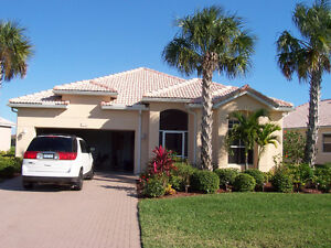 Florida vacation pool home on the golf course
