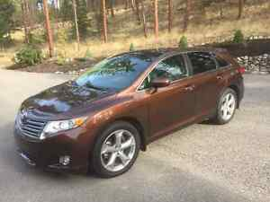 2009 Toyota Venza Top of the line SUV, Crossover