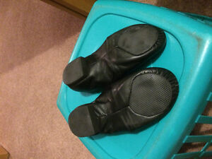 Girls size 3.5 black jazz shoes